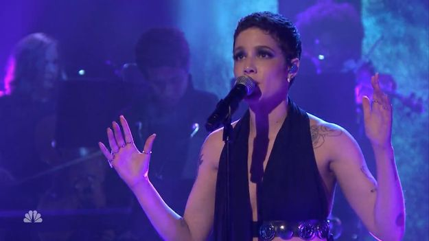 Halsey Just Nailed Her First TV Performance Of 'Colors'
