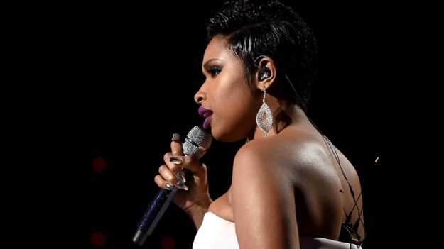 Jennifer Hudson Pays Tribute To Prince With Chilling Rendition Of 'Purple Rain'