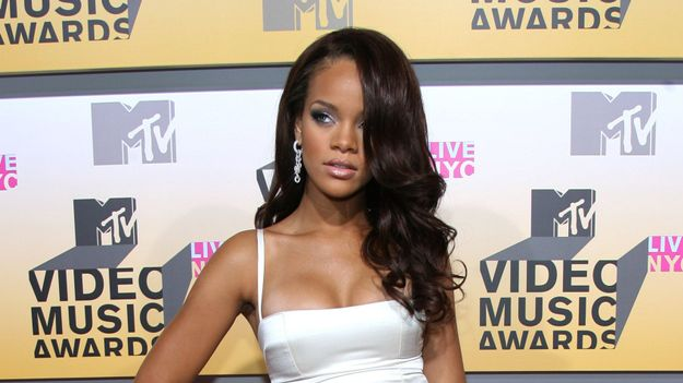 This Is What The VMA Red Carpet Looked Like In 2006