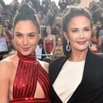 These Pics Of Wonder Woman Past And Present Embracing On The Red Carpet Are So Powerful