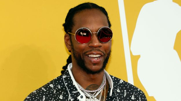 2 Chainz Broke His Leg So Now He's Performing In A Pink Wheelchair