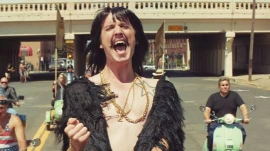 VMAs 2015: Macklemore and Ryan Lewis Perform 'Downtown' Outdoors ...