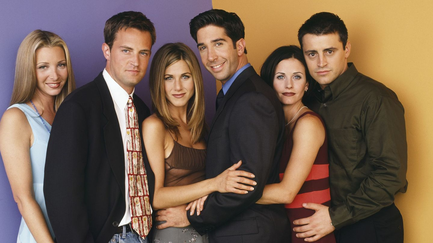 hook up cast None of the main 6 characters publicly hooked up but there were rumours that jennifer aniston and matthew perry dated matt leblanc said he had a crush on jennifer aniston of course jennifer aniston and brad pitt appeared together as did her former boyfriend tate donavon its also believed that paul rudd and jennifer dated briefly.