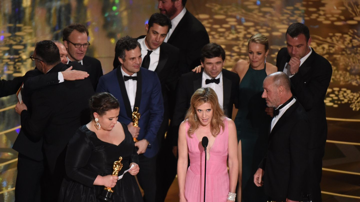 Spotlight takes home the oscar for best picture mtv for Oscar home