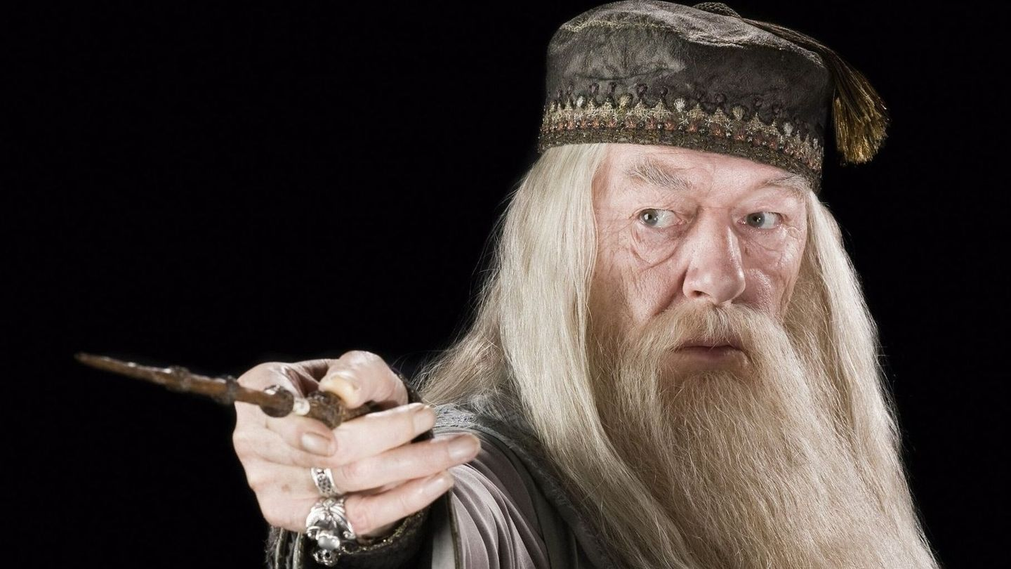 who should play dumbledore in fantastic beasts mtv