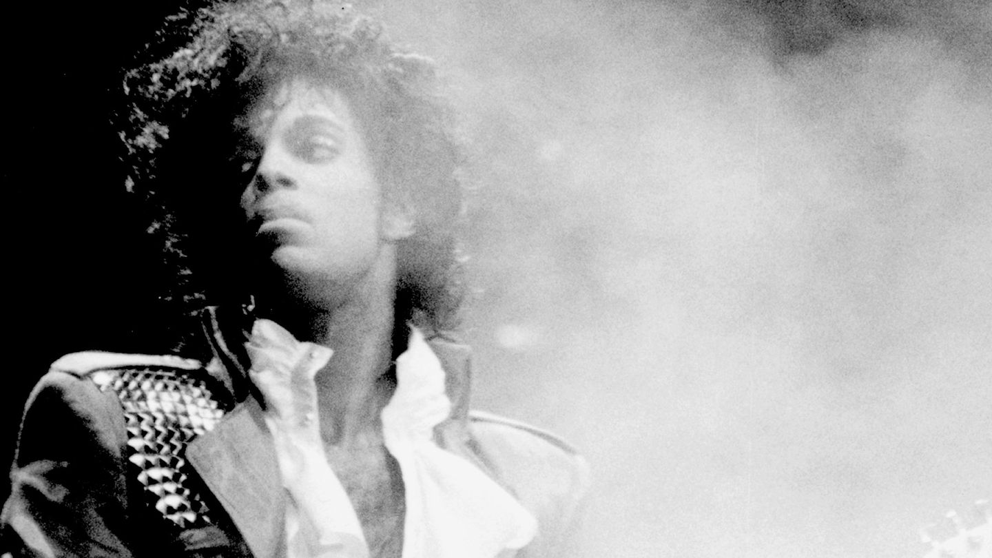 MTV Remembers Prince - MTV 2017-04-21 13:00