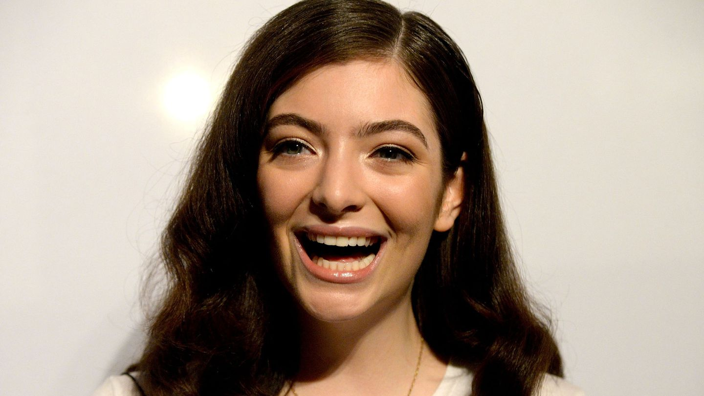 Lorde's Latest Haircut Is Her Shortest Yet - MTV