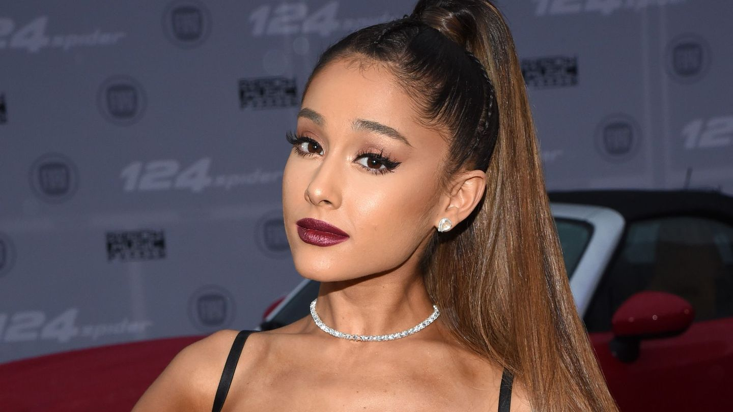 Ariana Grande Speaks Out After Manchester Concert Tragedy