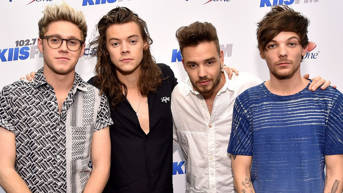 Harry Styles Gets Support From His One Direction Bandmates After Stepfather's Death