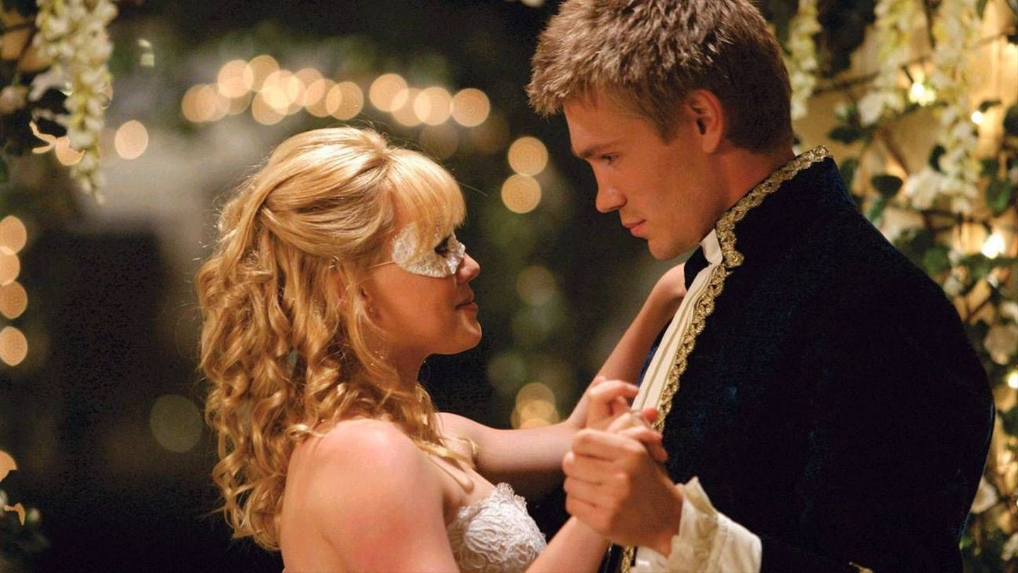 Chad Michael Murray Wore His Cinderella Story Costume At A Real-Life Prom