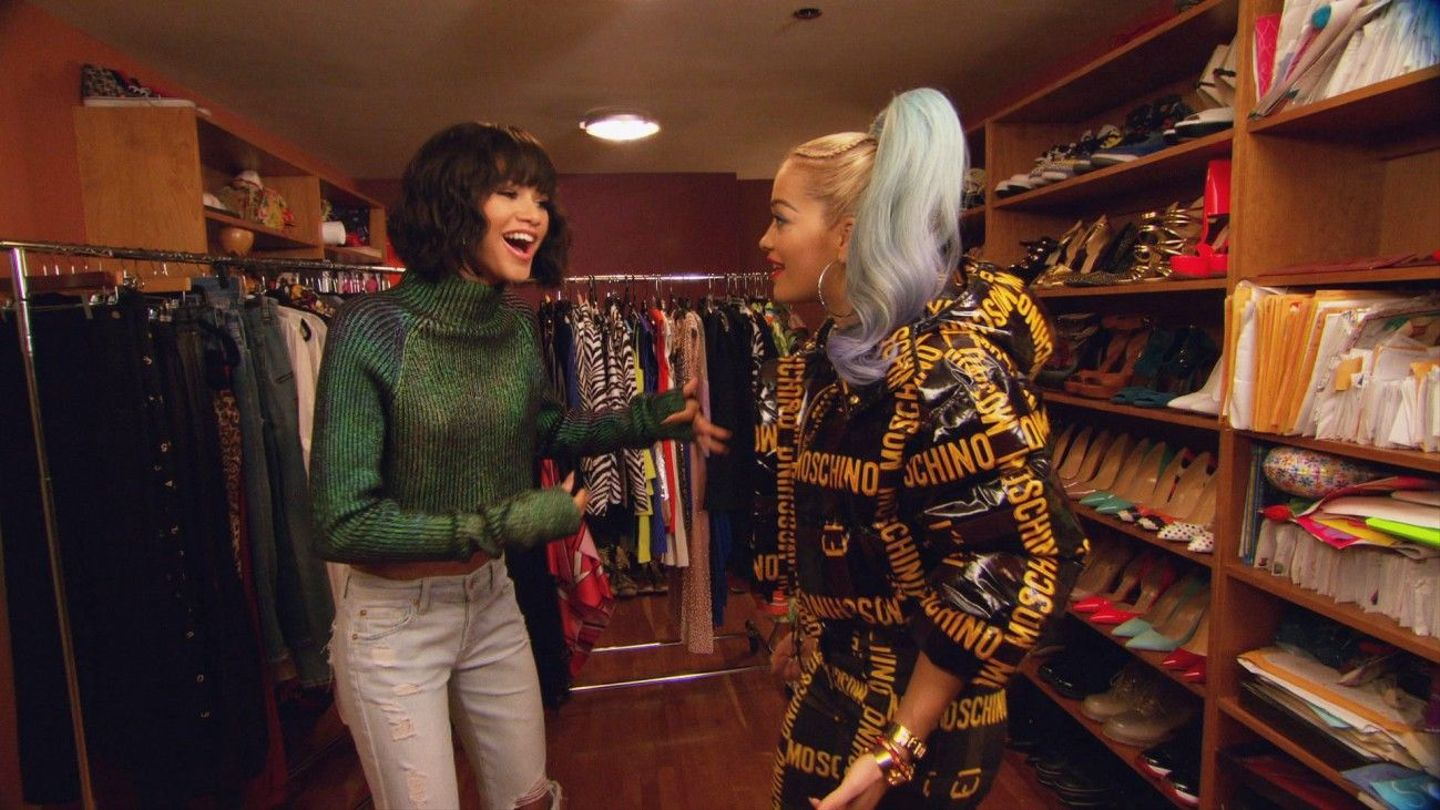 Zendaya And Sarah Hyland Stop By 'House Of Style' - MTV