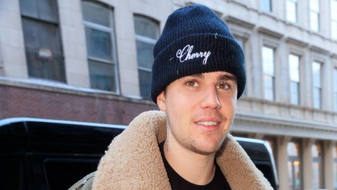 Justin Bieber | News, Music Performances and Show Video