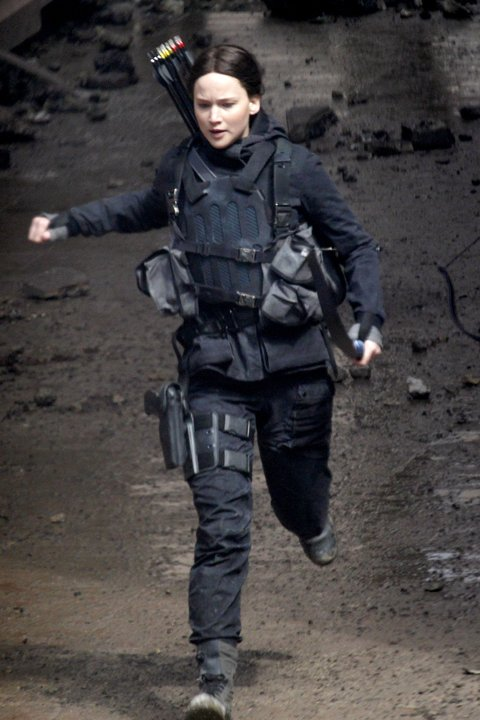 Natalie Dormer, Jennifer Lawrence, Josh Hutcherson and Liam Hemsworth continue to film scenes for 'The Hunger Games: Mockingjay' in Paris