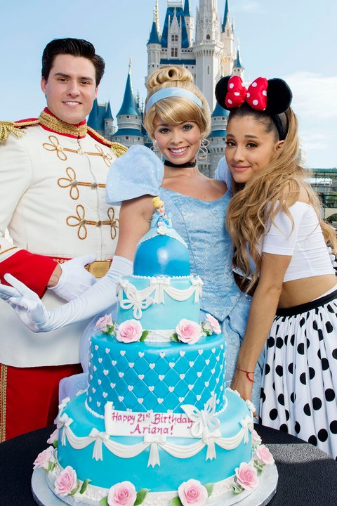 ariana-grande-birthday-photo-10