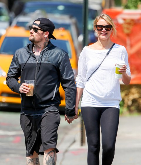 EXCLUSIVE: **PREMIUM RATES APPLY****NO DAILY MAIL ONLINE**Cameron Diaz seen hand in hand with new boyfriend Benji Madden in NYC