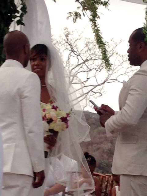 EXCLUSIVE: **PREMIUM RATES APPLY** Kelly Rowland marries in secret Costa Rica wedding attended by Beyonce and Solange Knowles on May 9