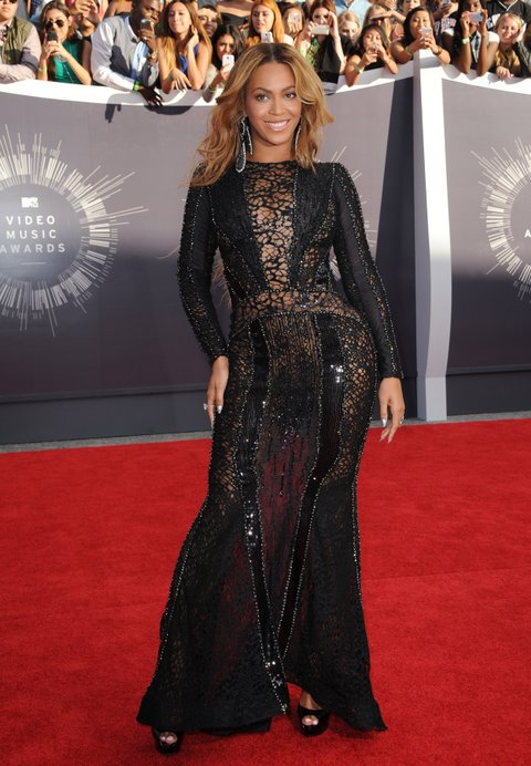 INGLEWOOD, CA - AUGUST 24: Singer Beyonce arrives at the 2014 MTV Video Music Awards at The Forum on August 24, 2014 in Inglewood, California. (Photo by Axelle/Bauer-Griffin/FilmMagic)