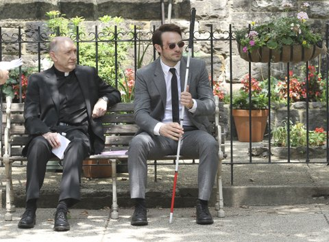 Charlie Cox shooting the Daredevil