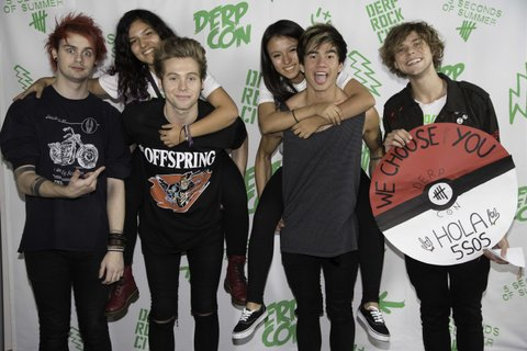 26 Times 5SOS And Their Fans Looked So Perfect At Derp Con ...  5sos With Fans 2014