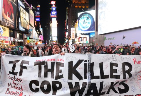 Hundreds protest in New York after Ferguson Grand Jury decision