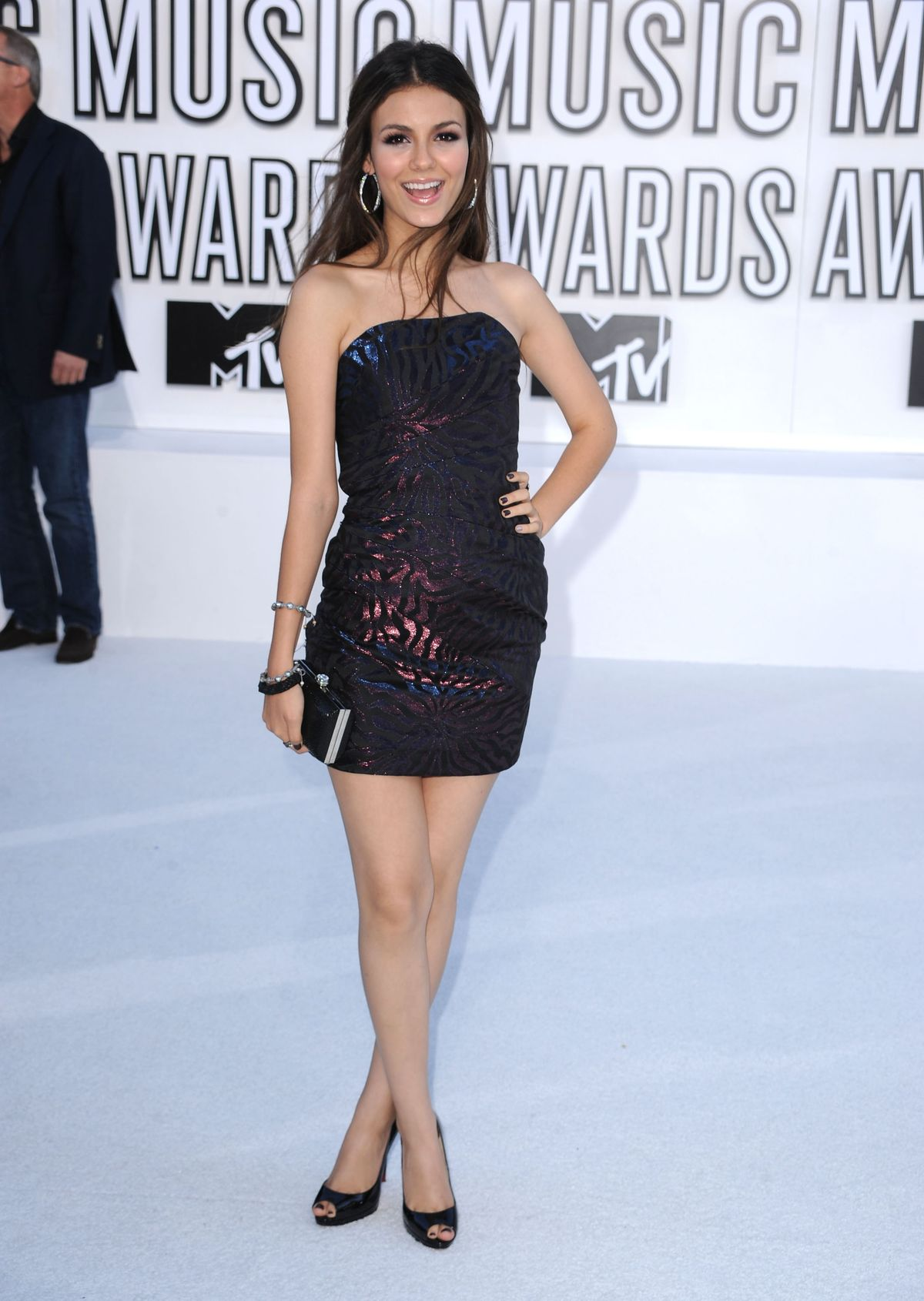 LOS ANGELES, CA - SEPTEMBER 12:  Actress Victoria Justice arrives at the 2010 MTV Video Music Awards held at Nokia Theatre L.A. Live on September 12, 2010 in Los Angeles, California.  (Photo by Steve Granitz/WireImage)