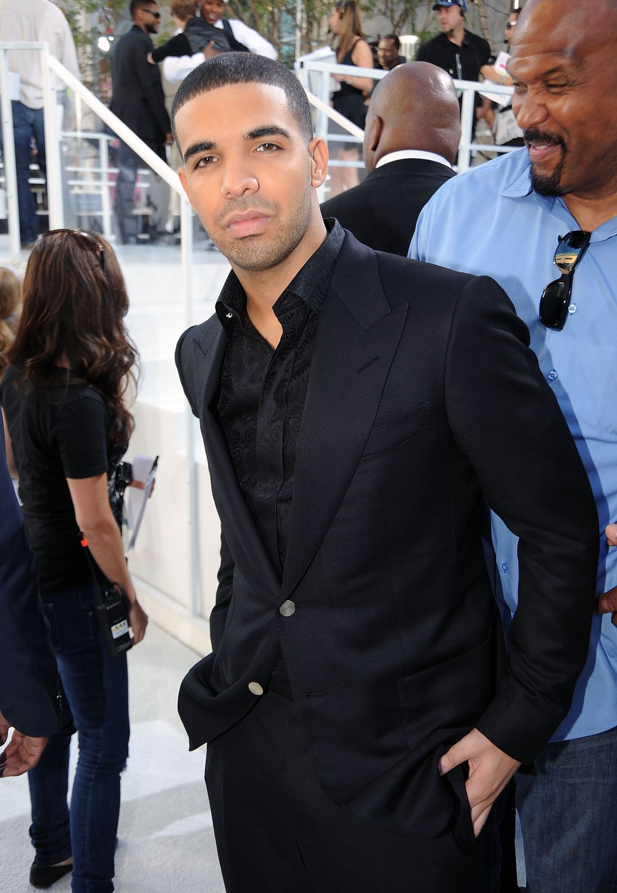 Rapper Drake arrives at the 2010 MTV Video Music Awards held at Nokia Theatre L.A. Live on September 12, 2010 in Los Angeles, California.