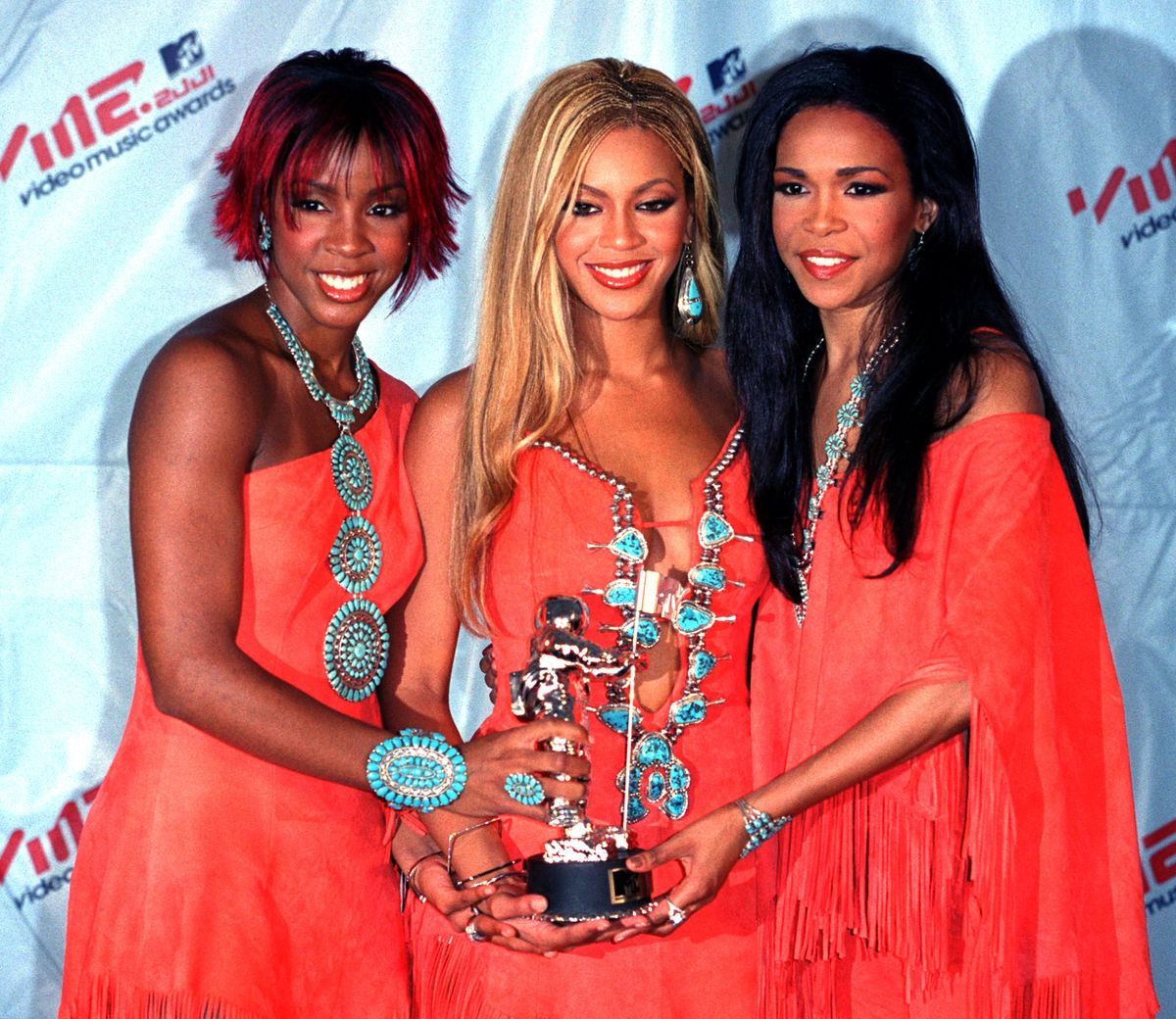 Destiny's Child during 2001 MTV Video Music Awards - Arrivals at The Metropolitan Opera House at Lincoln Center in New York City, New York, United States. (Photo by James Devaney/WireImage)