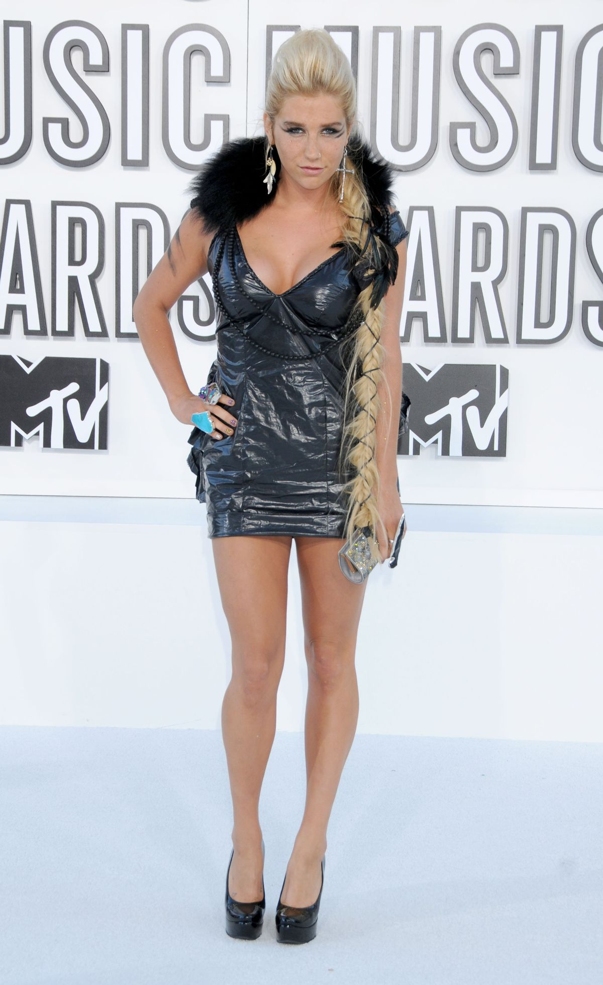 LOS ANGELES, CA - SEPTEMBER 12: Ke$ha attends the 2010 MTV Video Music Awards at the Nokia Theatre on September 12, 2010 in Los Angeles, CA.  (Photo by Gregg DeGuire/FilmMagic)