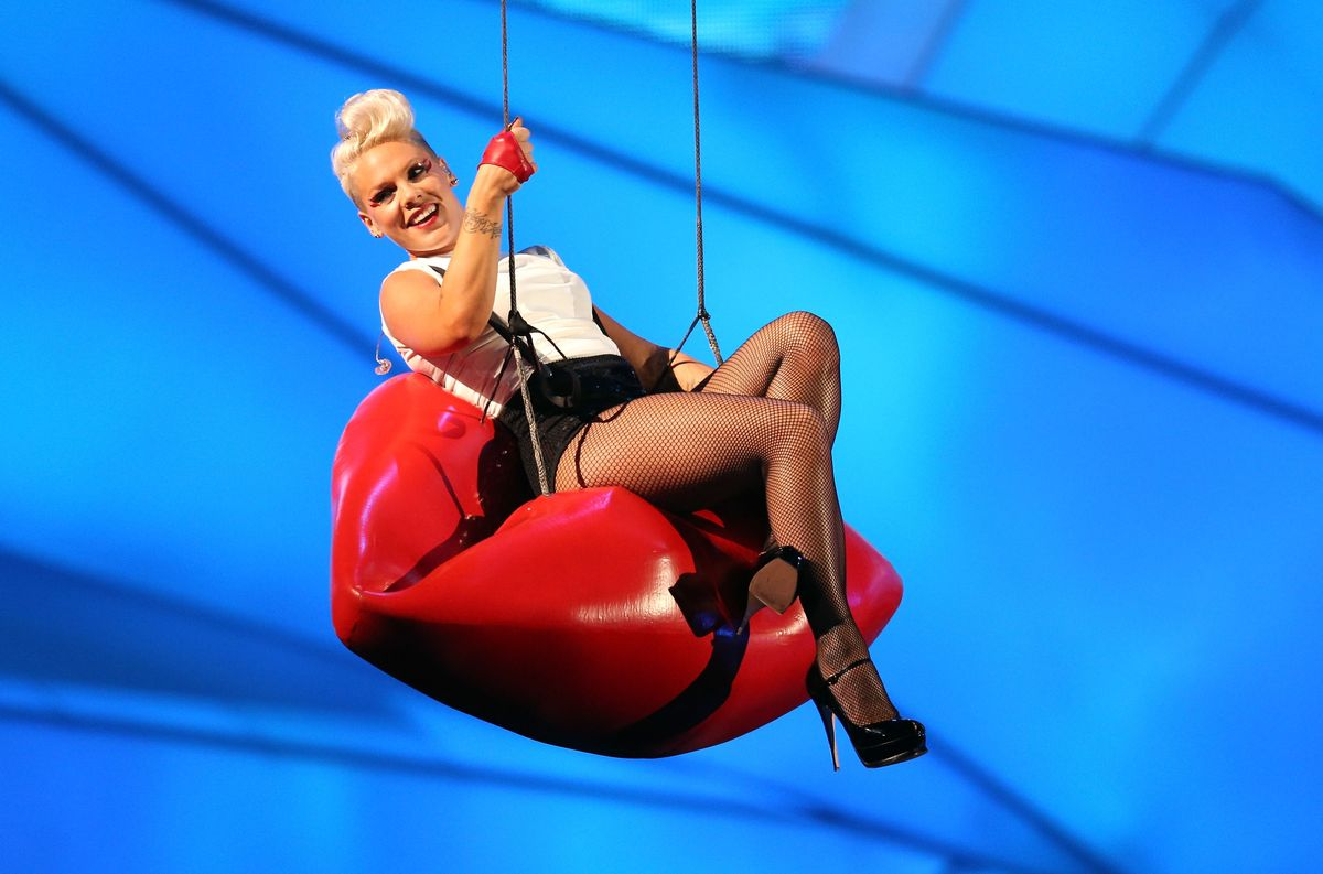 LOS ANGELES, CA - SEPTEMBER 06:  Singer Pink performs onstage during the 2012 MTV Video Music Awards at Staples Center on September 6, 2012 in Los Angeles, California.  (Photo by Christopher Polk/Getty Images)