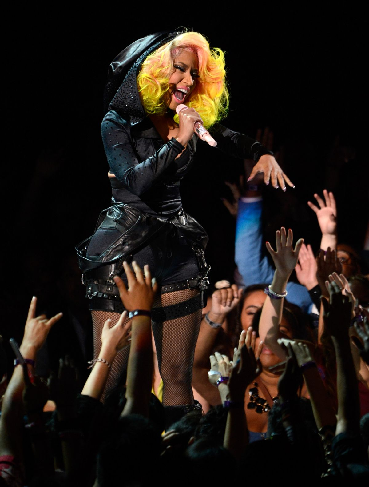 LOS ANGELES, CA - SEPTEMBER 06: Nicki Minaj performs onstage during the 2012 MTV Video Music Awards at Staples Center on September 6, 2012 in Los Angeles, California. (Photo by Kevin Mazur/WireImage)