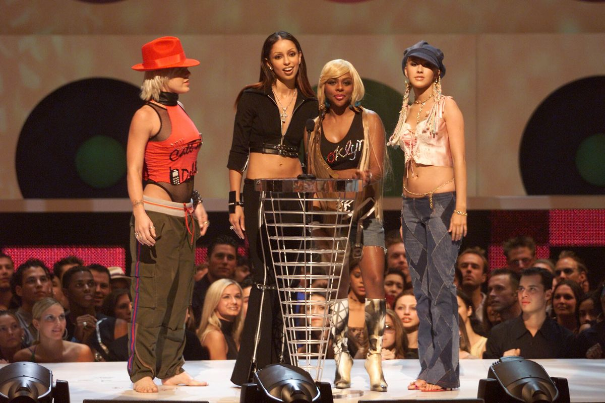 Pink, Mya, Lil Kim and Christina Aguilera onstage at the 2001 MTV Video Music Awards held at the Metropolitan Opera House at Lincoln Center in New York City on September 6, 2001. Photo by Scott Gries/ImageDirect