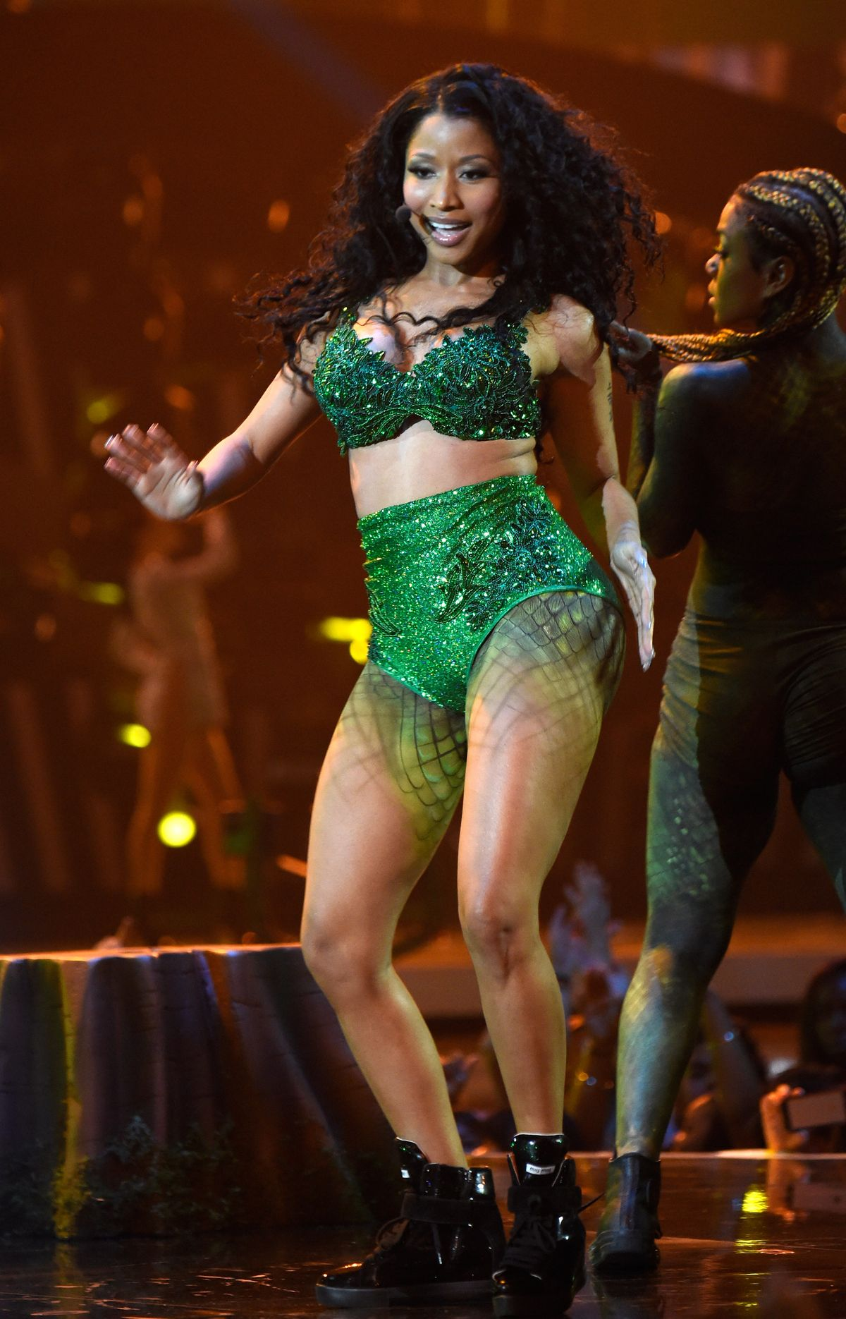 INGLEWOOD, CA - AUGUST 24: Nicki Minaj performs onstage during the 2014 MTV Video Music Awards at The Forum on August 24, 2014 in Inglewood, California. (Photo by Kevin Mazur/MTV1415/WireImage)