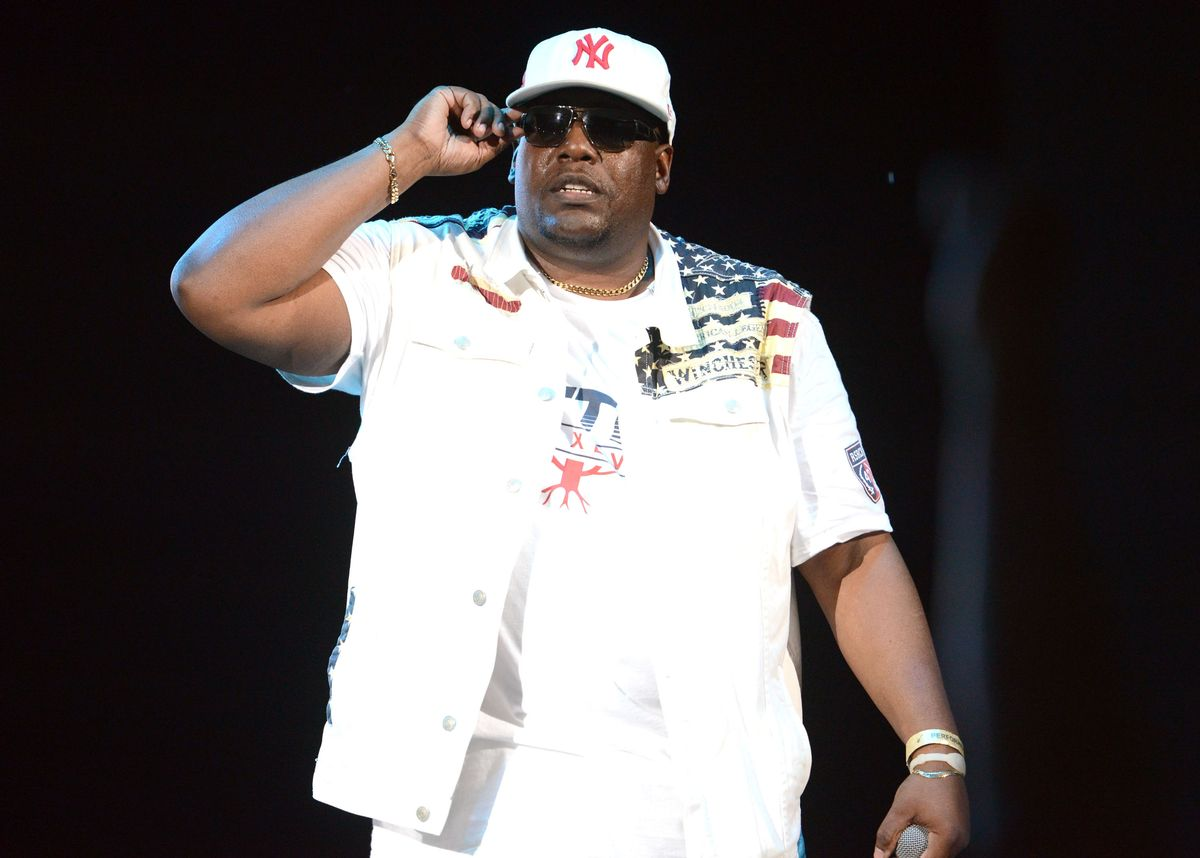 IRVINE, CA - JULY 18: Hip hop MC Kool Moe Dee performs onstage at Irvine Meadows Amphitheatre on July 18, 2015 in Irvine, California. (Photo by Scott Dudelson/Getty Images)