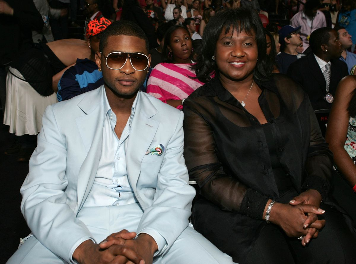 MIAMI - AUGUST 29: Usher and his mother Jonnetta Patton attends the 2004 MTV Video Music Awards at the American Airlines Arena August 29, 2004 in Miami, Florida. (Photo by Frank Micelotta/Getty Images)