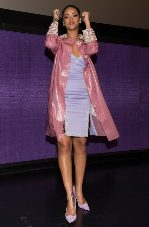 17 Rihanna Outfits That Will Make Baby Pink Your New