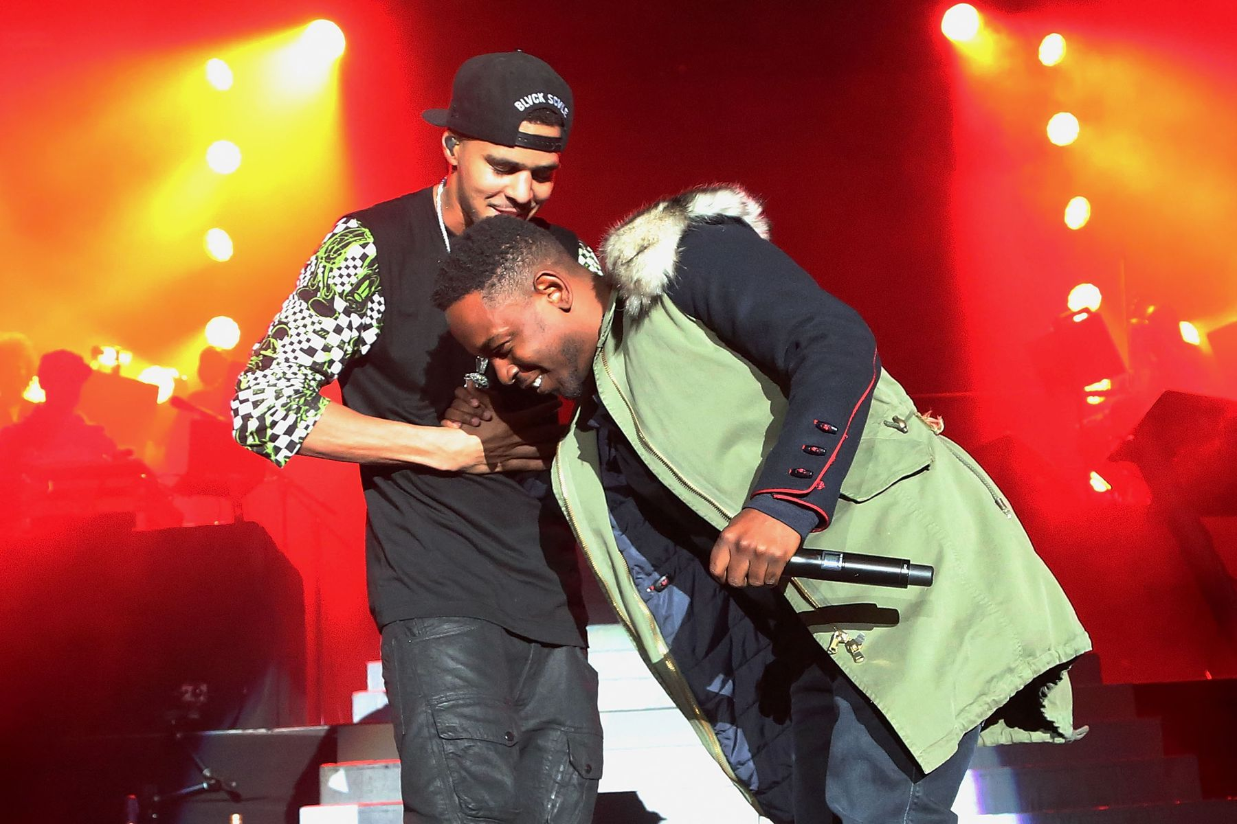 NEW YORK, NY - JANUARY 28:  Rappers J. Cole and Kendrick Lamar perform at Madison Square Garden on January 28, 2014 in New York City.  (Photo by Taylor Hill/Getty Images)