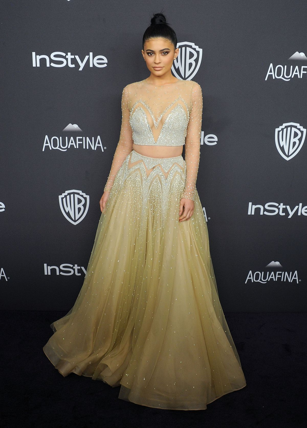 BEVERLY HILLS, CA - JANUARY 10: Kylie Jenner arrives at the 2016 InStyle And Warner Bros. 73rd Annual Golden Globe Awards Post-Party at The Beverly Hilton Hotel on January 10, 2016 in Beverly Hills, California. (Photo by Gregg DeGuire/WireImage)