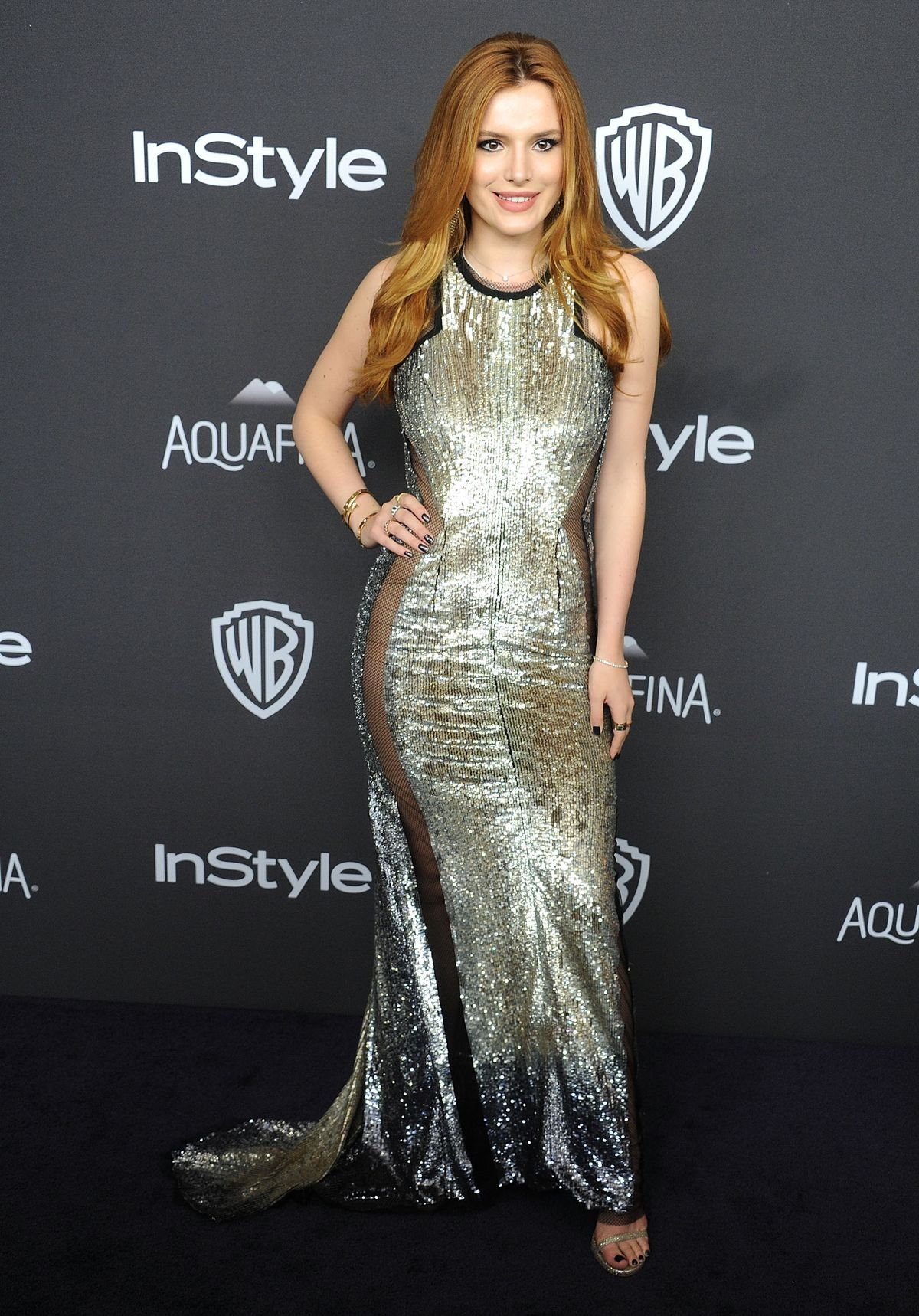 BEVERLY HILLS, CA - JANUARY 10: Actress Bella Thorne arrives at the 2016 InStyle And Warner Bros. 73rd Annual Golden Globe Awards Post-Party at The Beverly Hilton Hotel on January 10, 2016 in Beverly Hills, California. (Photo by Gregg DeGuire/WireImage)