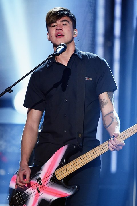 5SOS' Calum Hood Turns 20 -- Celebrate With His Best 'Bass ...