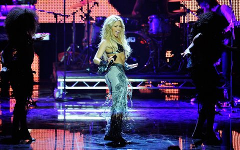 MADRID, SPAIN - NOVEMBER 07: Shakira performs onstage during the MTV Europe Music Awards 2010 live show at La Caja Magica on November 7, 2010 in Madrid, Spain. (Photo by Gareth Cattermole/Getty Images)