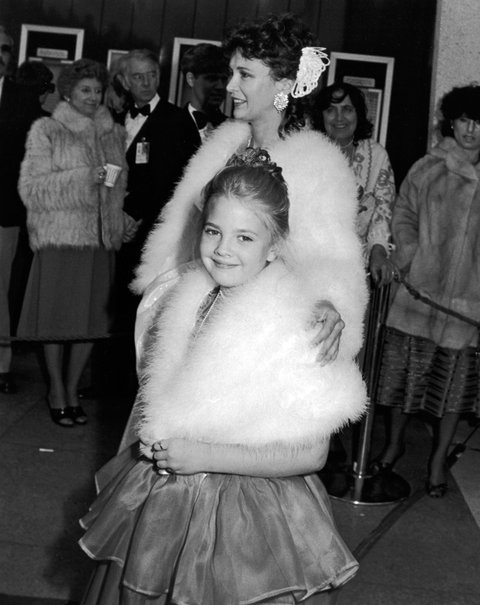 LOS ANGELES, CA - APRIL 11: Drew Barrymore and mother Jaid Barrymore attend 55th Annual Academy Awards on April 11, 1983 at the Dorothy Changler Pavilion in Los Angeles, California. (Photo by Ron Galella, Ltd./WireImage)