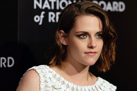 NEW YORK, NY - JANUARY 05:  Actress Kristen Stewart attends the 2015 National Board of Review Gala at Cipriani 42nd Street on January 5, 2016 in New York City.  (Photo by Neilson Barnard/WireImage)
