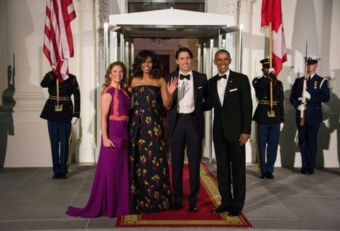 US President Barack Obama (R), Canadian Prime Minister Justin Trudeau (2nd R) and their wives Michelle Obama (2nd L) and Sophie Gregoire Trudeau (L) pose upon the Trudeau's arrival for a State Dinner in their honor at the White House in Washington, DC, on March 10, 2016. / AFP / Nicholas Kamm        (Photo credit should read NICHOLAS KAMM/AFP/Getty Images)