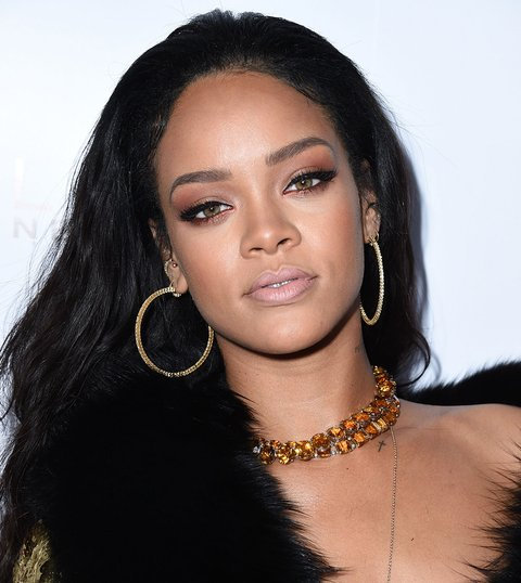 19 of rihanna 39 s best beauty looks to gaze at until her makeup line drops mtv. Black Bedroom Furniture Sets. Home Design Ideas