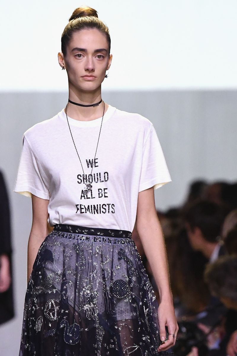 karlie kloss steps out in feminist t shirt in nyc daily mail online