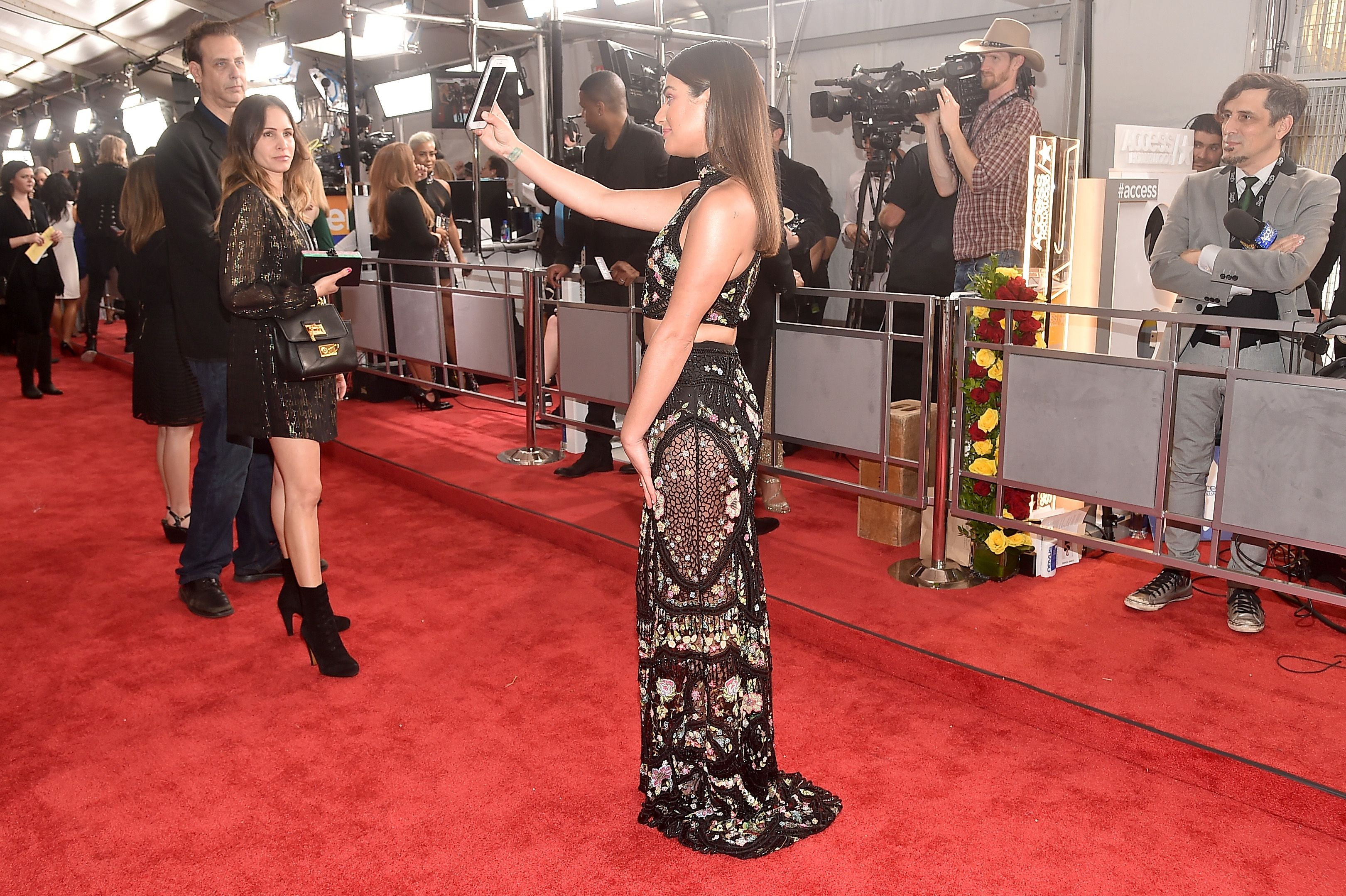 Red Carpet Photos From The 2017 Grammys