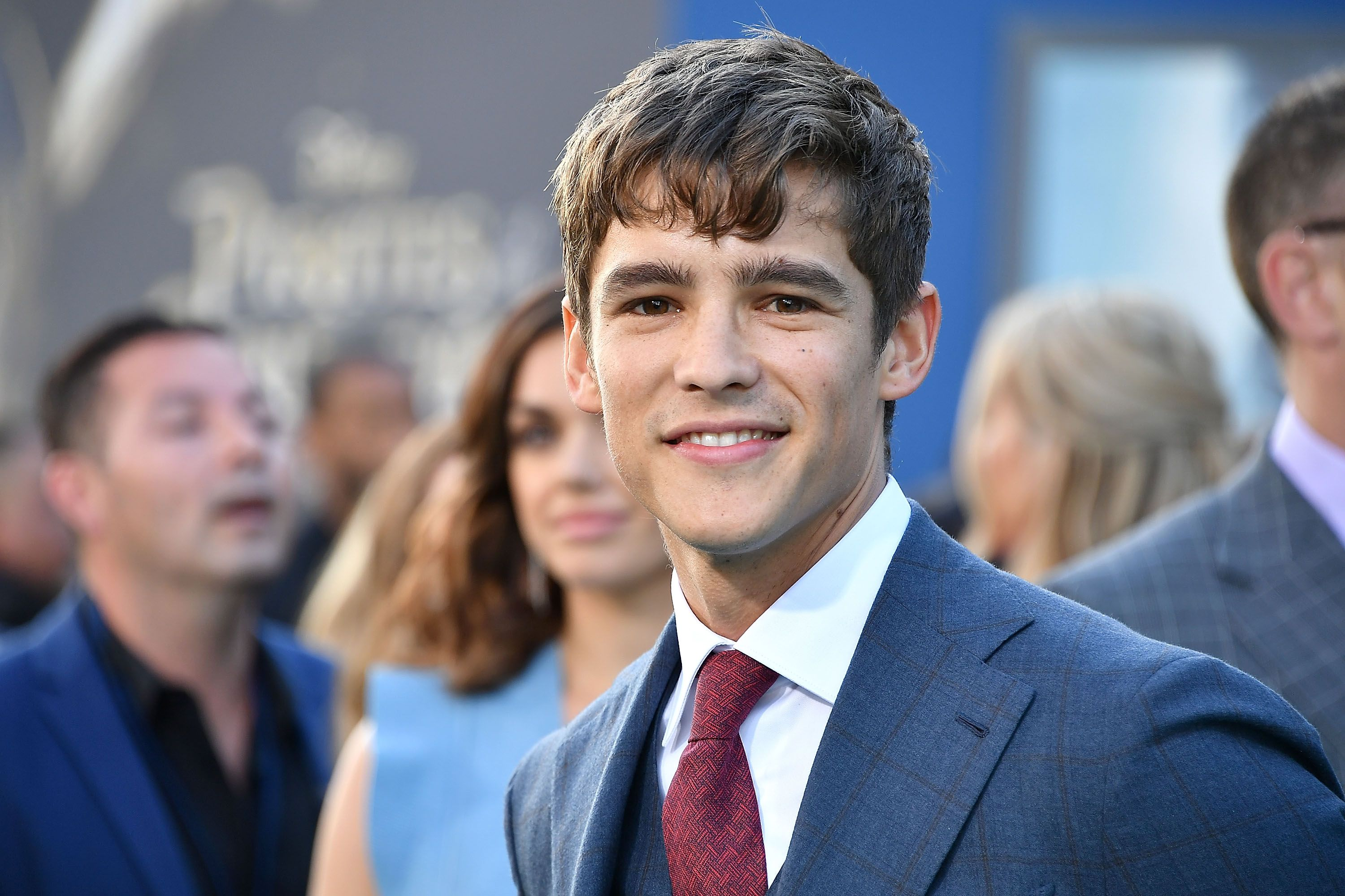 Brenton Thwaites to Star in DC Comics' New Series 'Titans'