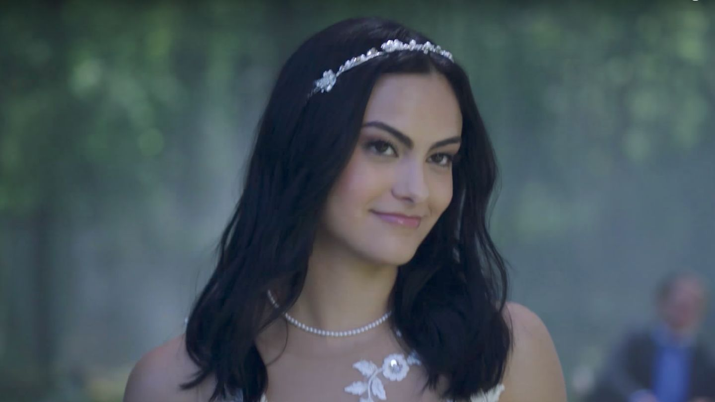 Riverdale Season 2 Promo Teases More Crime, More Blood, And A Surprise Wedding