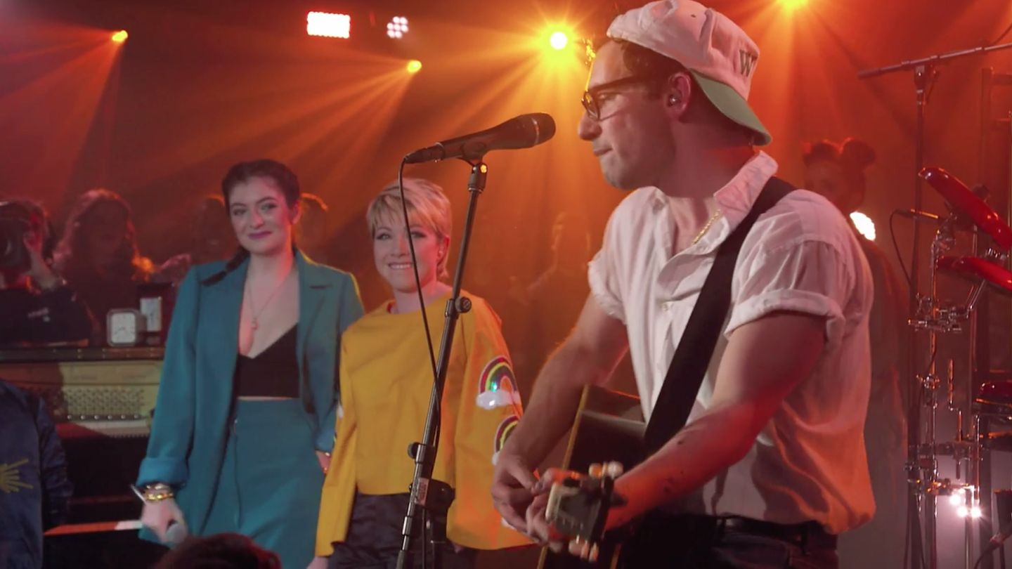 Watch Lorde And Carly Rae Jepsen Join Bleachers For An Unforgettable MTV Unplugged Performance