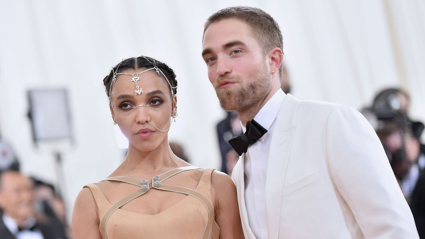 Robert Pattinson And FKA Twigs Reportedly Call Off Their Engagement